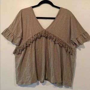 Tassel trimmed loose fitted top